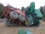 huge-truck-tip-over